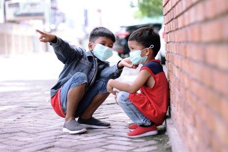 Los niños están realmente a salvo de COVID-19? - Salud con lupa